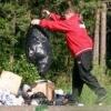 В чем вынести мусор?