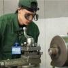 Омский завод примет в ряды своих сотрудников молодых специалистов