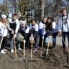 Студенты ОмЮА приняли участие в субботнике