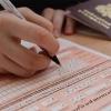 Омские выпускники сдают первый обязательный ЕГЭ