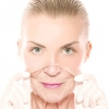 Как бороться с возрастными изменениями кожи лица