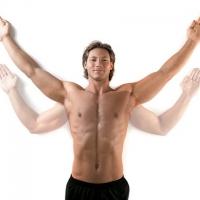 Больно поднимать руку вверх и болит плечо
