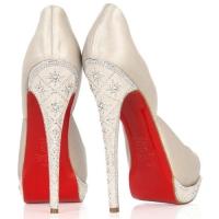 Очаровательные туфли Christian Louboutin