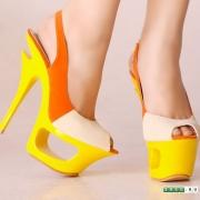 Забота о женских ногах большого размера