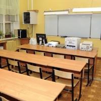 Школы с низкими результатами обучения поддержат в Омской области