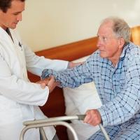 Правильный уход за больным после инсульта