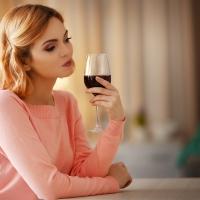 Для женщин алкоголь более опасен