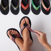 Шлёпанцы назвали самой вредной обувью