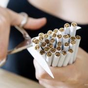 Минздрав призывает россиян высказаться о курении