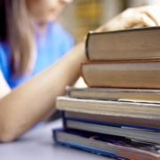 Школьников обяжут выбрать учиться читать или писать
