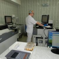 В централизованной лаборатории Омска анализы будут делаться быстрее и точнее