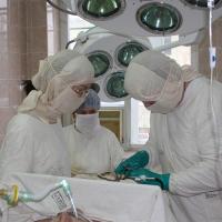 Нанотехнологичный имплант применяют при операциях на воспаленной кости в Омске