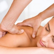 Что предлагает лечебный массаж?
