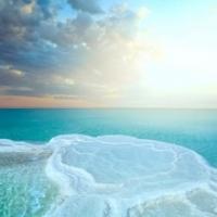 Какие болезни лечат на Мёртвом море?