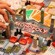 Омичи сыграют в Монополию