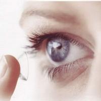 Избавиться от очков, как от комплекса: несколько аргументов в пользу контактных линз