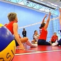 В Омске стартовал турнир по волейболу сидя
