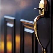Особенность и общее устройство уличных и входных дверей