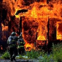 Две женщины не смогли выбраться из горящего дома в Таре