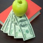 В Омске посчитали школы-миллионеры