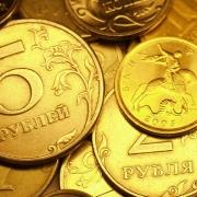 Омским учителям дважды повысят зарплату