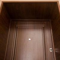 Популярные варианты отделки дверей