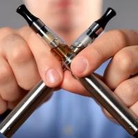 Жидкость для электронных сигарет не менее вредна, чем сигареты