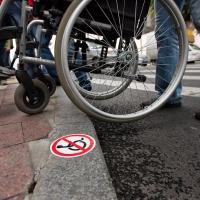 В Омске пообещали обеспечить инвалидам доступную среду
