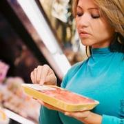 В омских магазинах нашли просроченные продукты