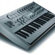 Синтезирующее устройство или просто синтезатор