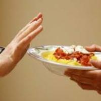Ученые назвали голодание опасным