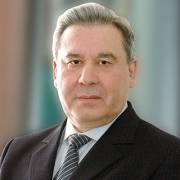 Леонид Полежаев предложил учредить именную стипендию