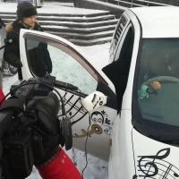 Дирижер Омского оркестра выбрал автомобили для концерта