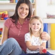 Требуется няня с проживанием или домашний персонал?