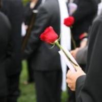 Организация похорон с помощью ритуальной службы