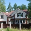 Красивый загородный дом с участком